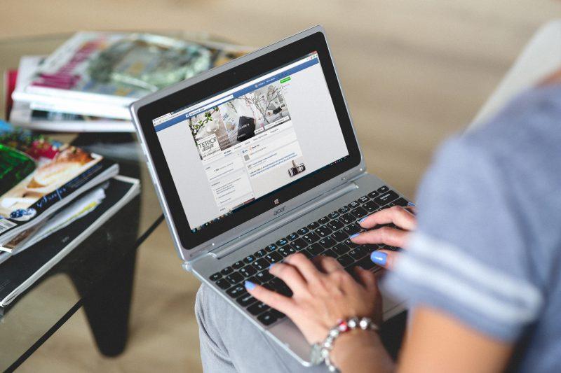 Reklama w internecie – jakie przynosi korzyści?